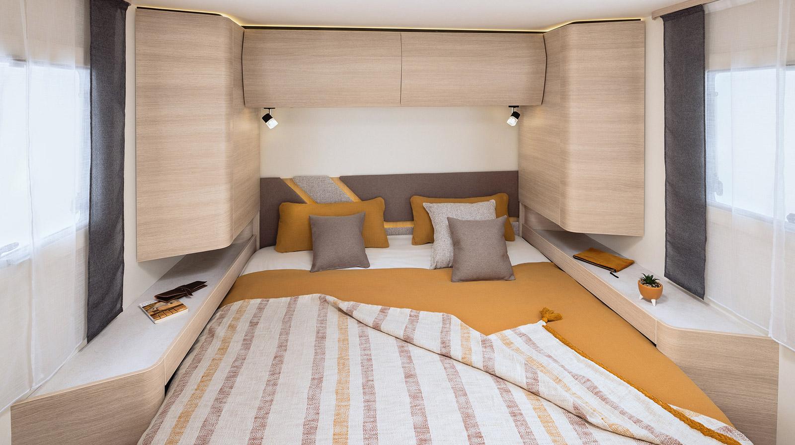 reisemobil rapido 696f teilintegrierte s rie 6f deutschland. Black Bedroom Furniture Sets. Home Design Ideas
